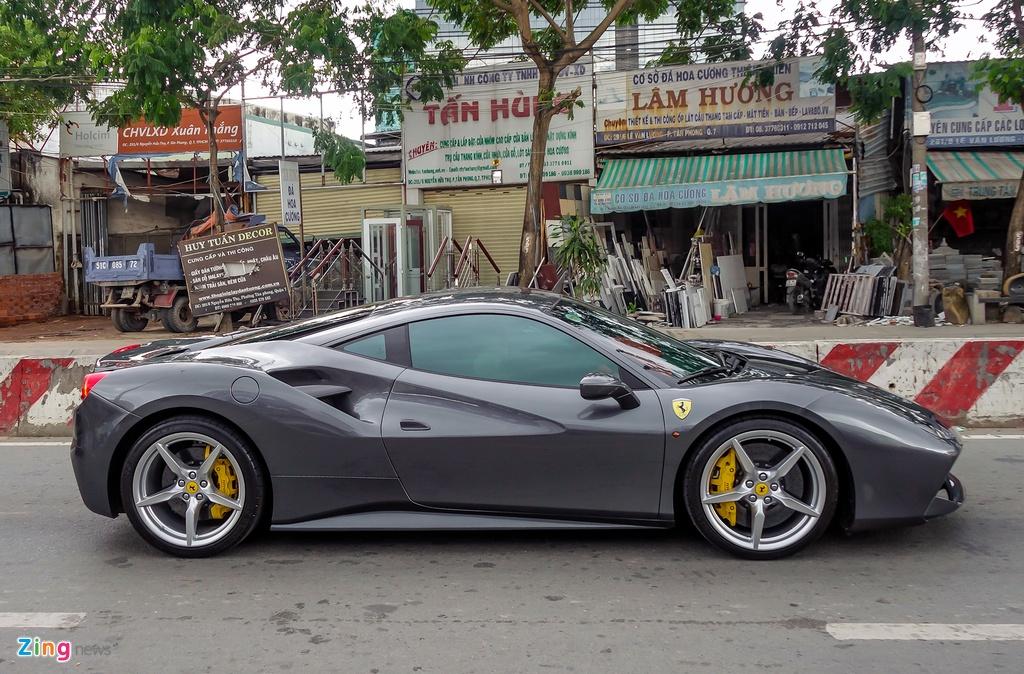 Cuong Do La mua sieu xe Ferrari anh 4