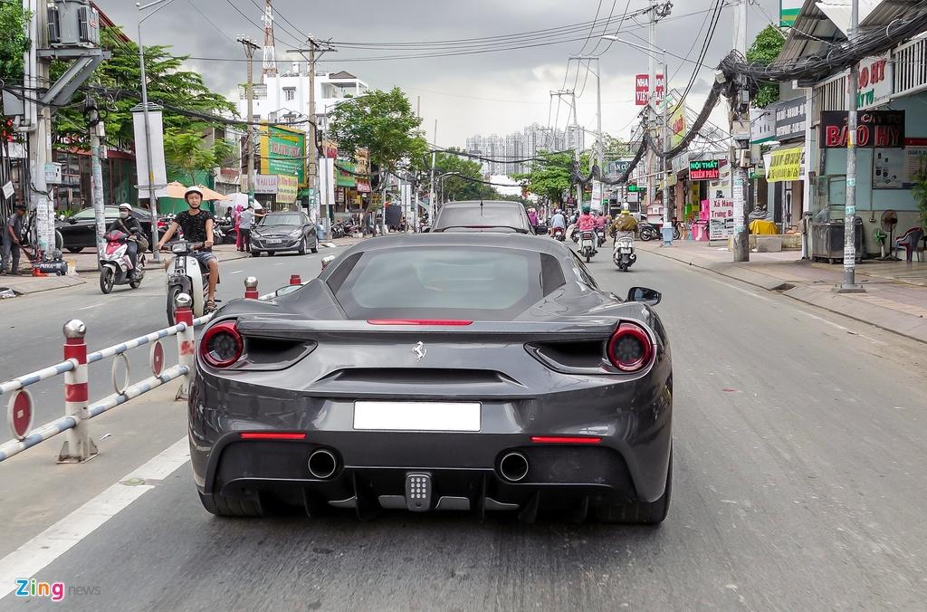 Cuong Do La mua sieu xe Ferrari anh 5