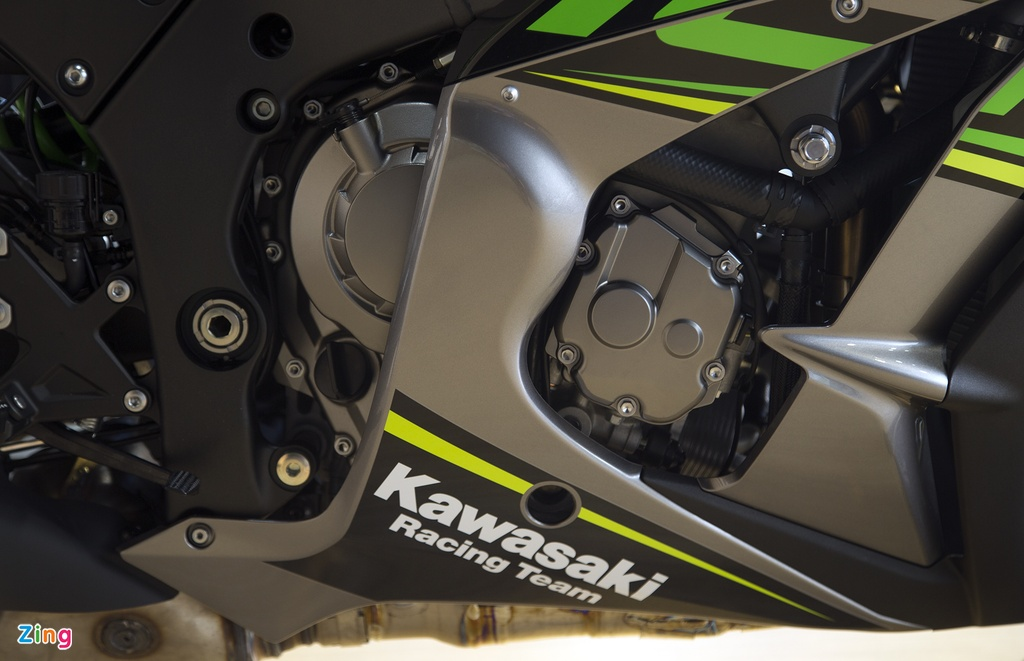 Chi tiet sieu moto Kawasaki ZX-10R gia 549 trieu dong tai VN hinh anh 5