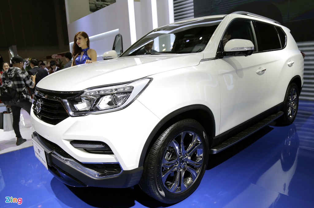 Chi tiet Ssangyong G4 Rexton - ke thach thuc Toyota Fortuner tai VN hinh anh 2