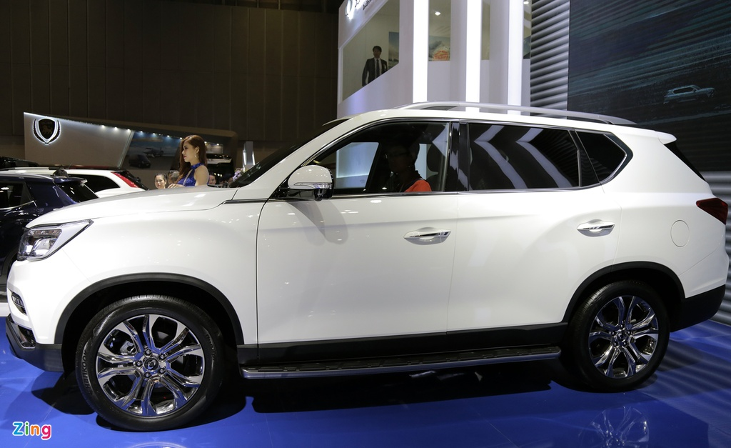 Chi tiet Ssangyong G4 Rexton - ke thach thuc Toyota Fortuner tai VN hinh anh 3