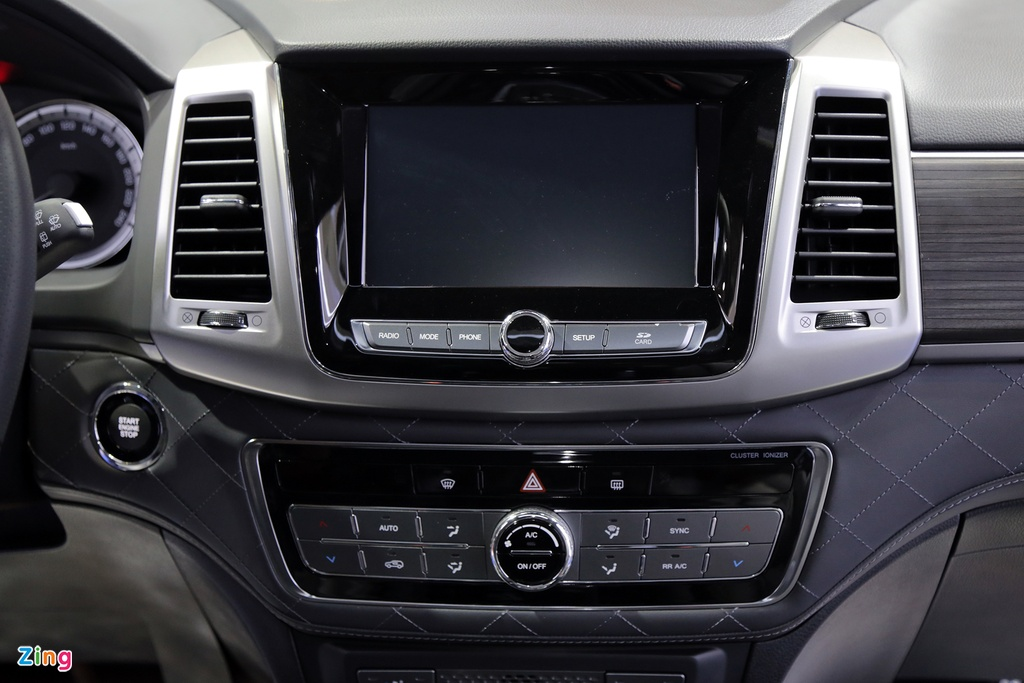 Chi tiet Ssangyong G4 Rexton - ke thach thuc Toyota Fortuner tai VN hinh anh 7