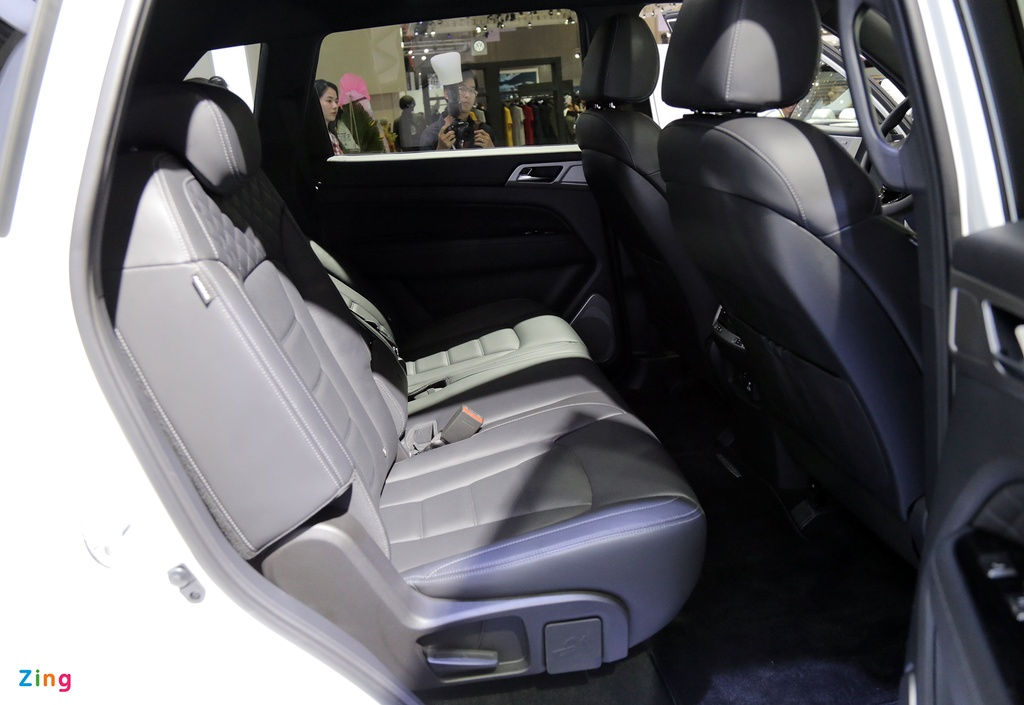 Chi tiet Ssangyong G4 Rexton - ke thach thuc Toyota Fortuner tai VN hinh anh 10