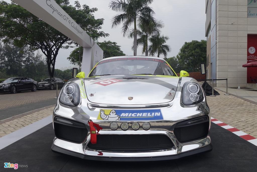 Xe dua la mat Porsche Cayman GT4 o Sai Gon hinh anh 2