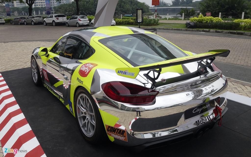 Xe dua la mat Porsche Cayman GT4 o Sai Gon hinh anh 3