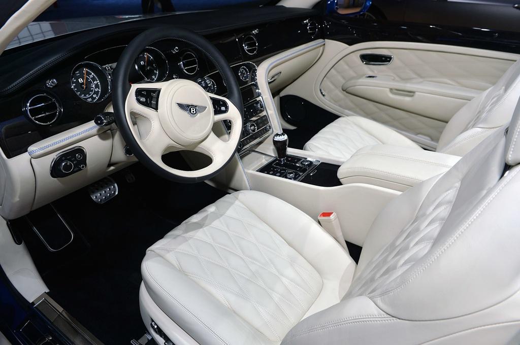 Bentley gioi thieu Mulsanne mui tran o Dubai, gia 3,5 trieu USD hinh anh 10