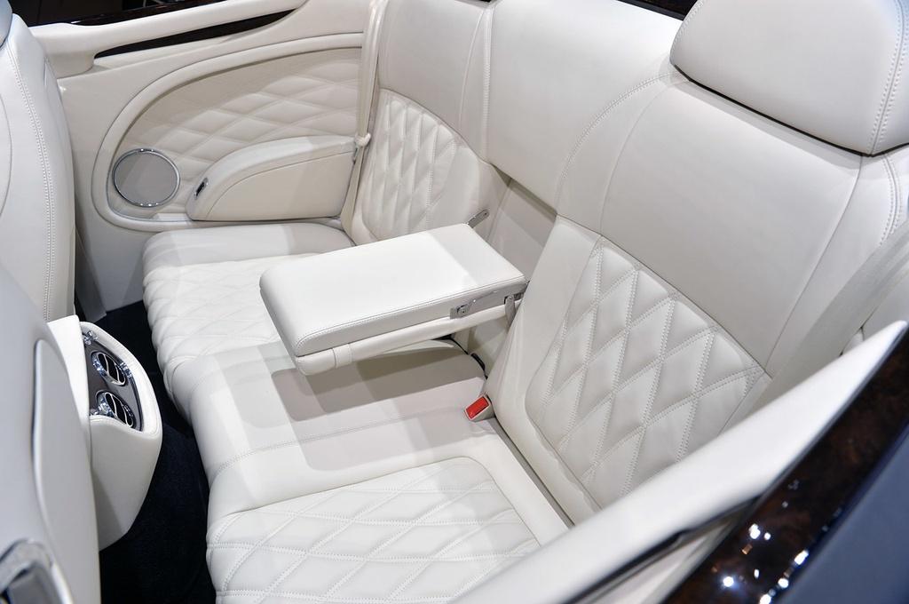 Bentley gioi thieu Mulsanne mui tran o Dubai, gia 3,5 trieu USD hinh anh 9