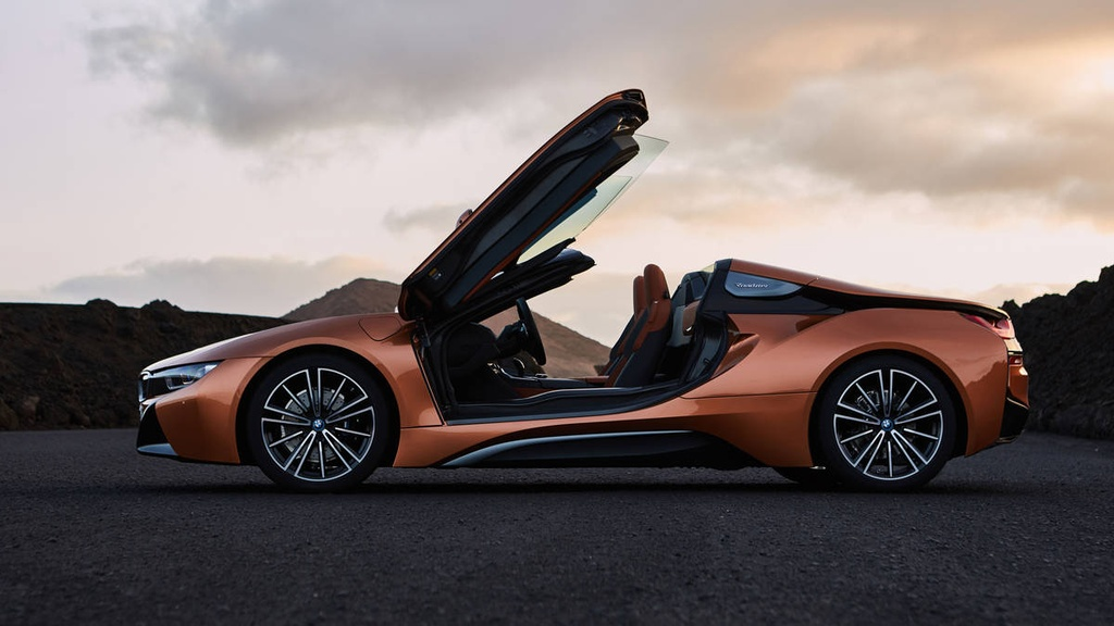 BMW i8 Roadster ra mat, manh 369 ma luc hinh anh 4