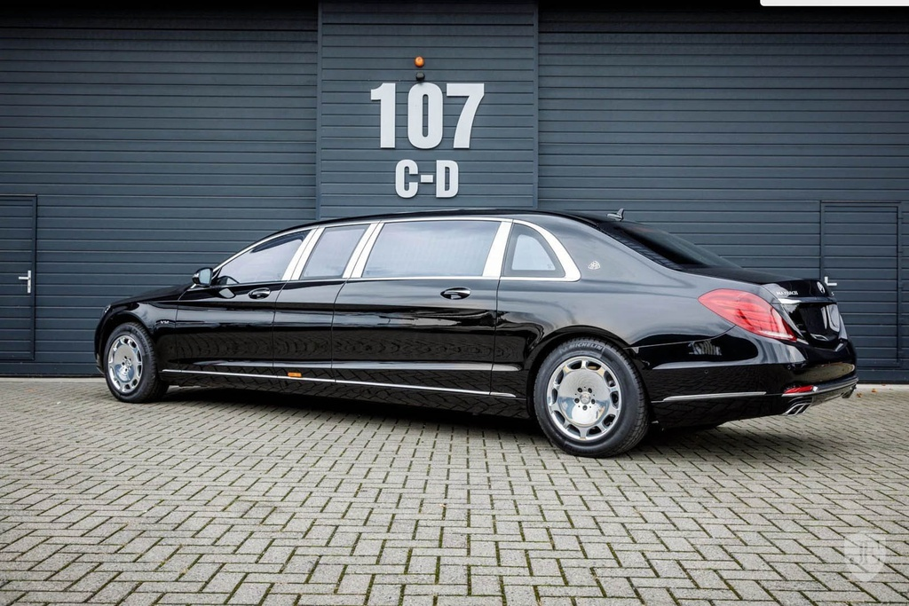 Mercedes-Maybach S600 Pullman anh 2