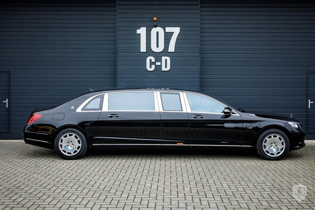 Mercedes-Maybach S600 Pullman anh 3