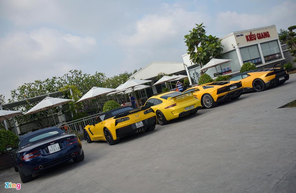 Lamborghini Aventador S o Sai Gon anh 8