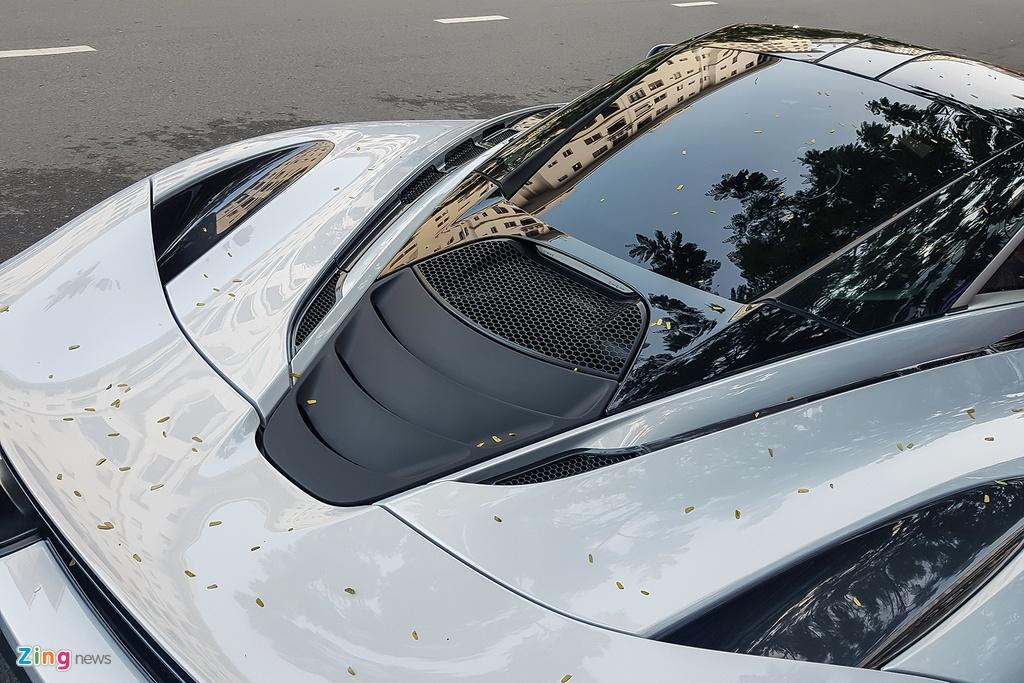 Sieu xe McLaren 720S lan dau xuat hien tren duong Sai Gon hinh anh 8