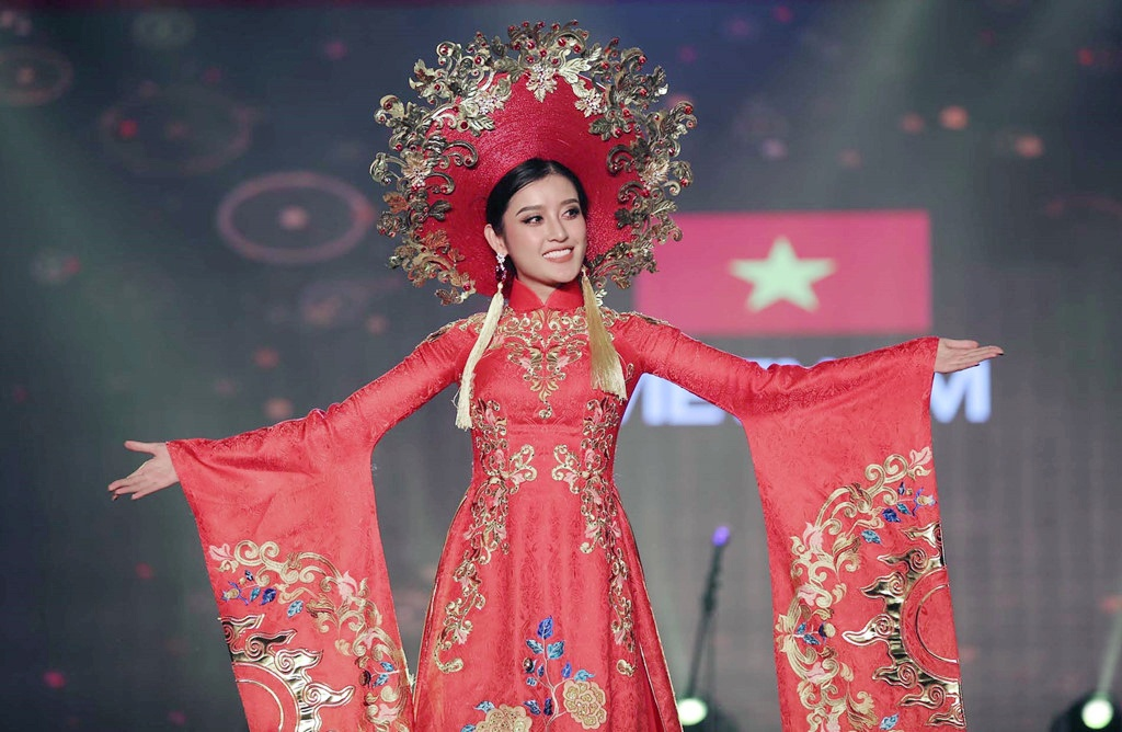 Giam khao Hoa hau: 'Huyen My chua the hien tron ven vi the chu nha' hinh anh 10