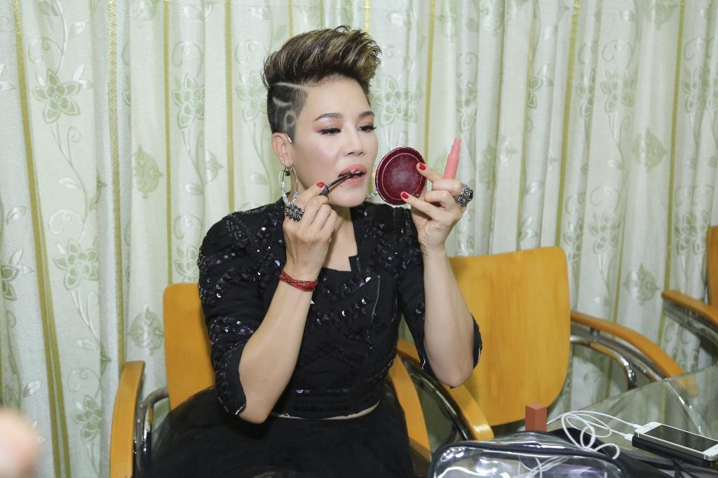 Thu Phuong khoe kieu toc noi loan, Toc Tien mac kin ghi hinh The Voice hinh anh 2