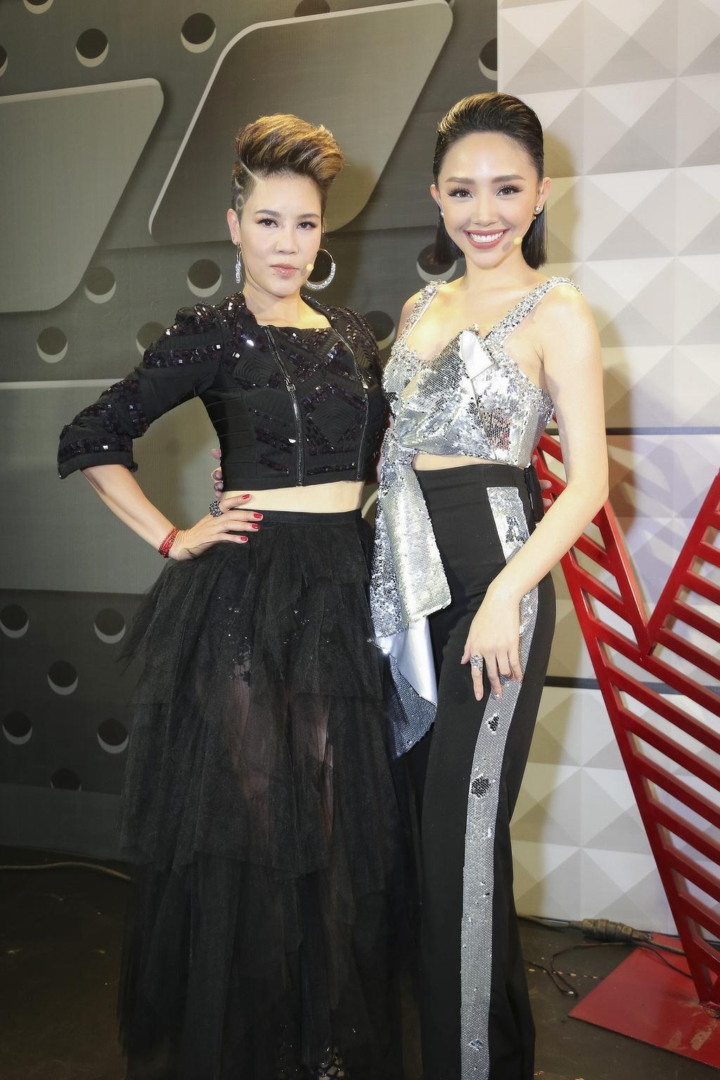 Thu Phuong khoe kieu toc noi loan, Toc Tien mac kin ghi hinh The Voice hinh anh 3