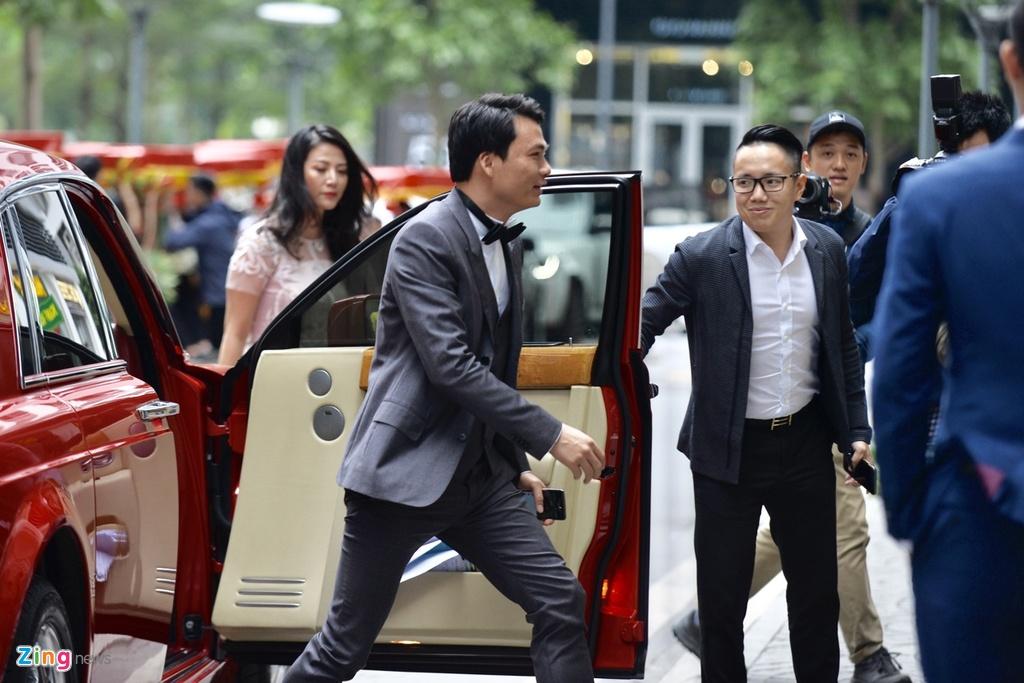 Ban trai CEO lich lam trong le an hoi voi A hau Thanh Tu hinh anh 5