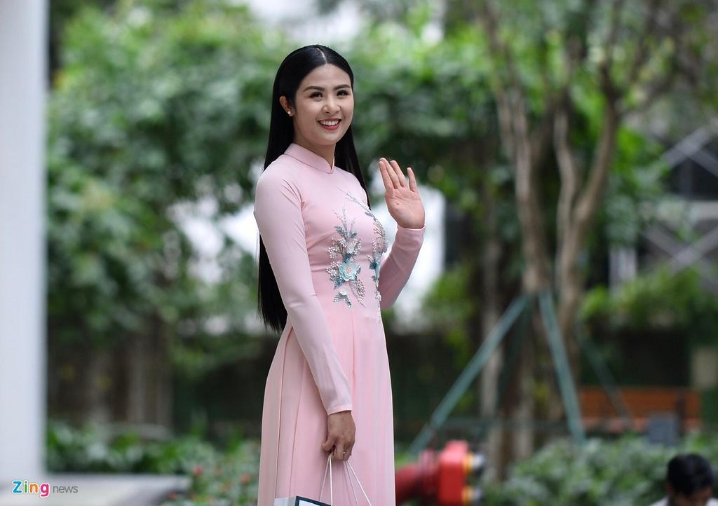 Le an hoi cua A hau Thanh Tu va ban trai U40 hinh anh 1