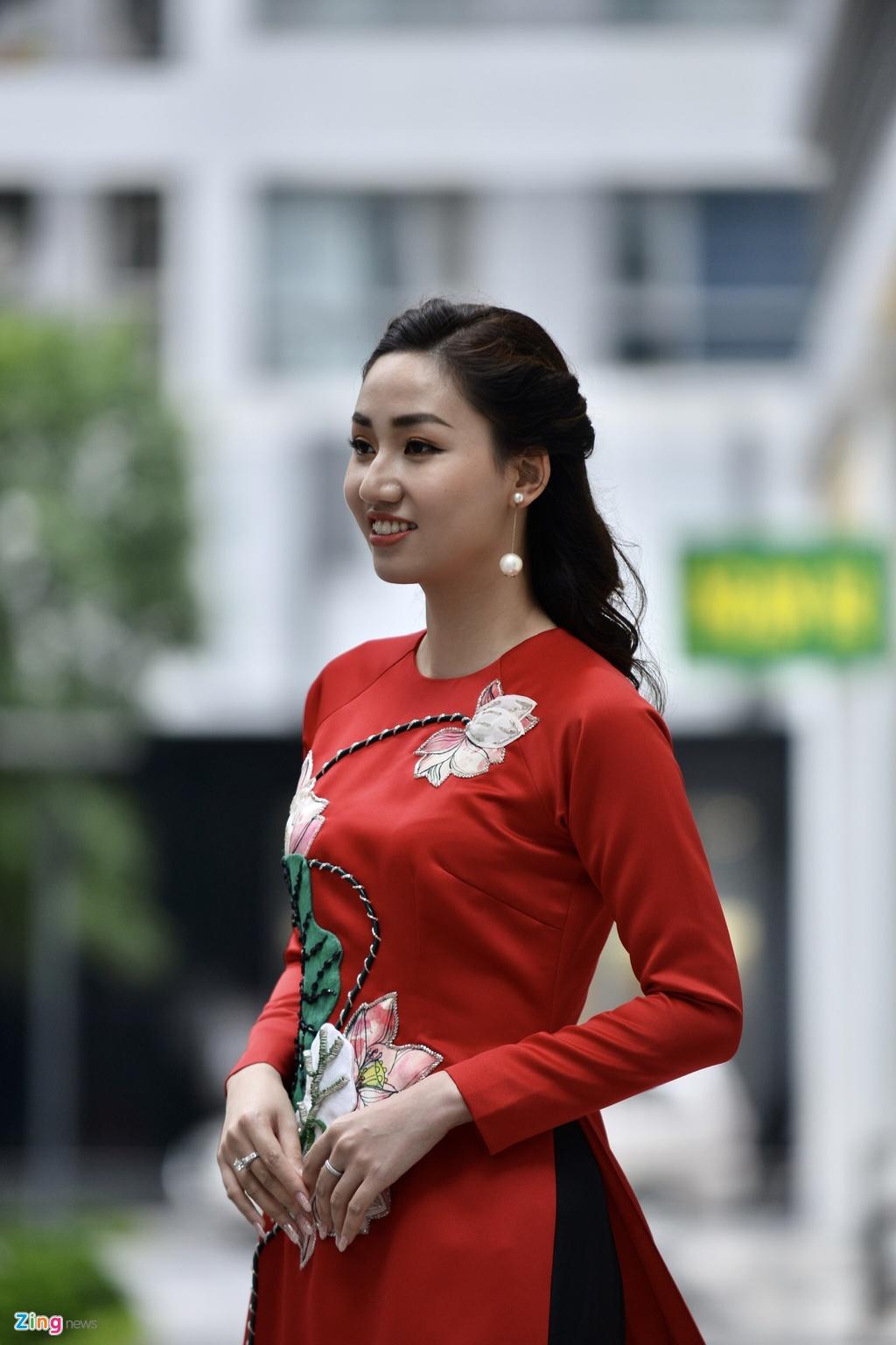 Le an hoi cua A hau Thanh Tu va ban trai U40 hinh anh 3