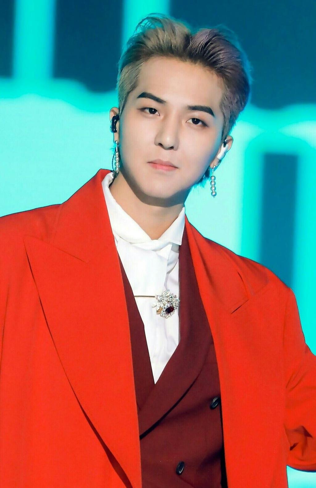 Ly do de G-Dragon, Taeyeon va cac ca si solo dan 'chiem linh' Kpop? hinh anh 4