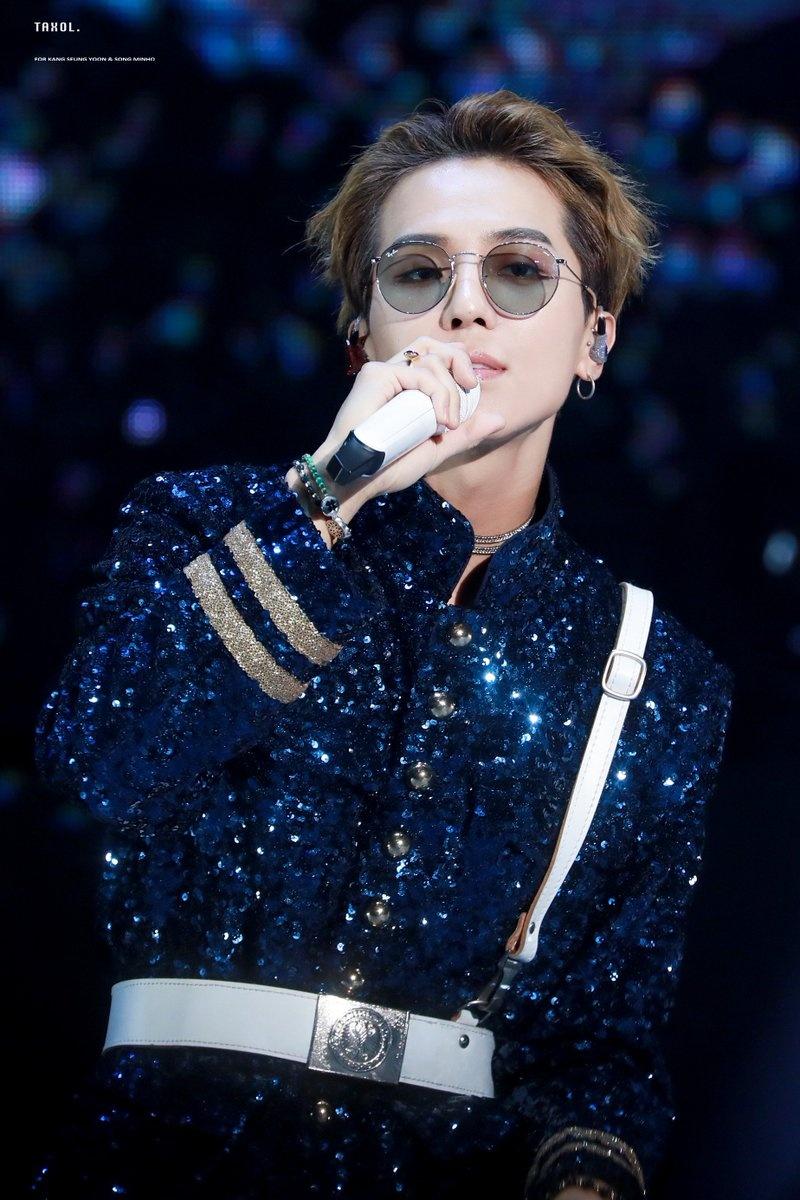Vang Big Bang, YG van thong tri Kpop 2018 nho dan ga cung hinh anh 10