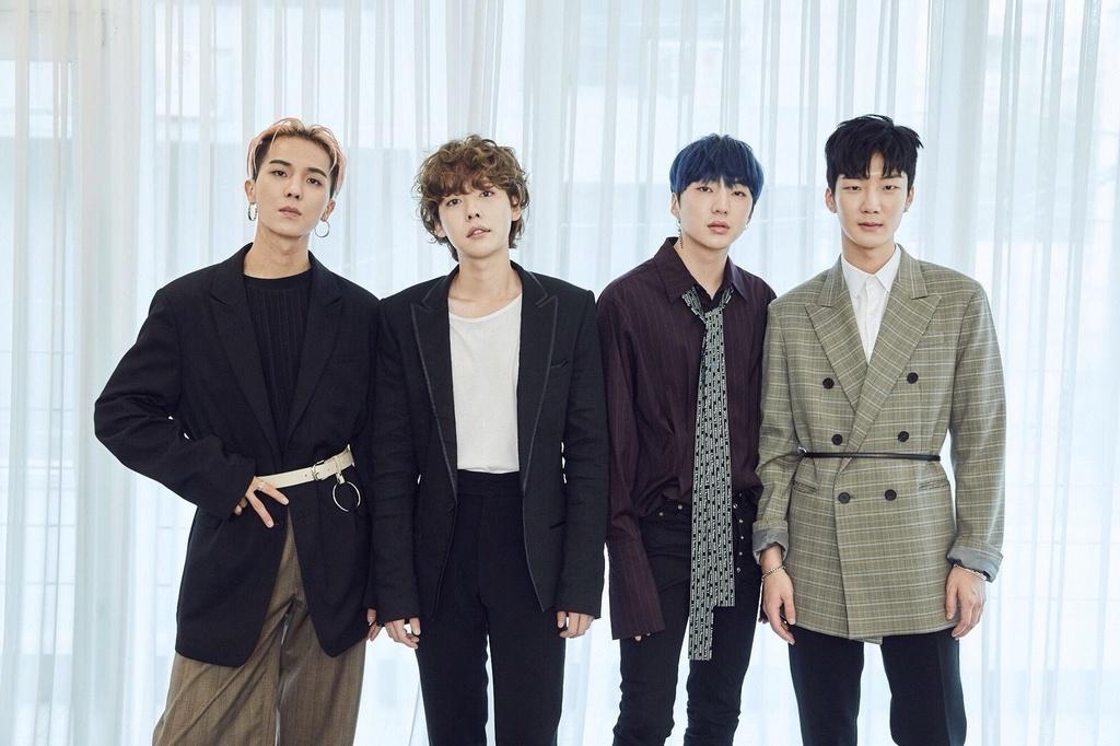 Vang Big Bang, YG van thong tri Kpop 2018 nho dan ga cung hinh anh 4
