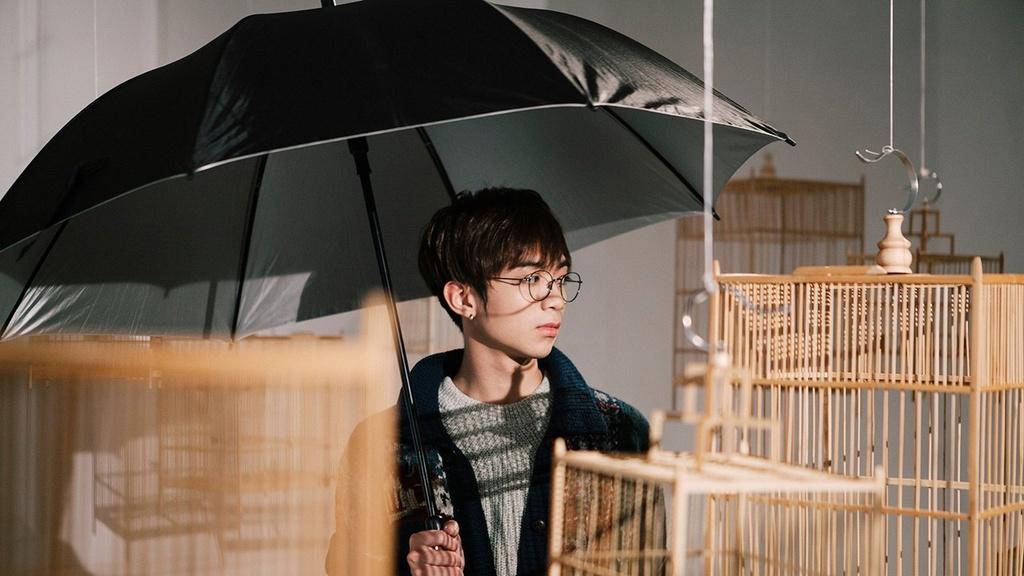 Huong Tram dan dau Top 10 ca khuc co luot nghe cao nhat Vpop hinh anh 4