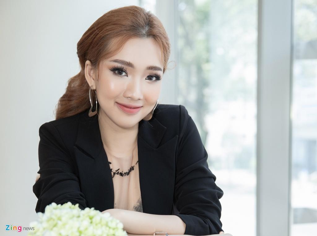 Hot girl Viet ra mat tai Kpop: 'Dau long khi doc binh luan che bai' hinh anh 3