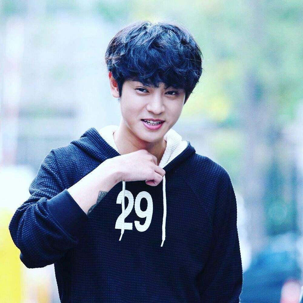 Jung Joon Young tu huy hoai tien do boi thu vui sex benh hoan hinh anh 1