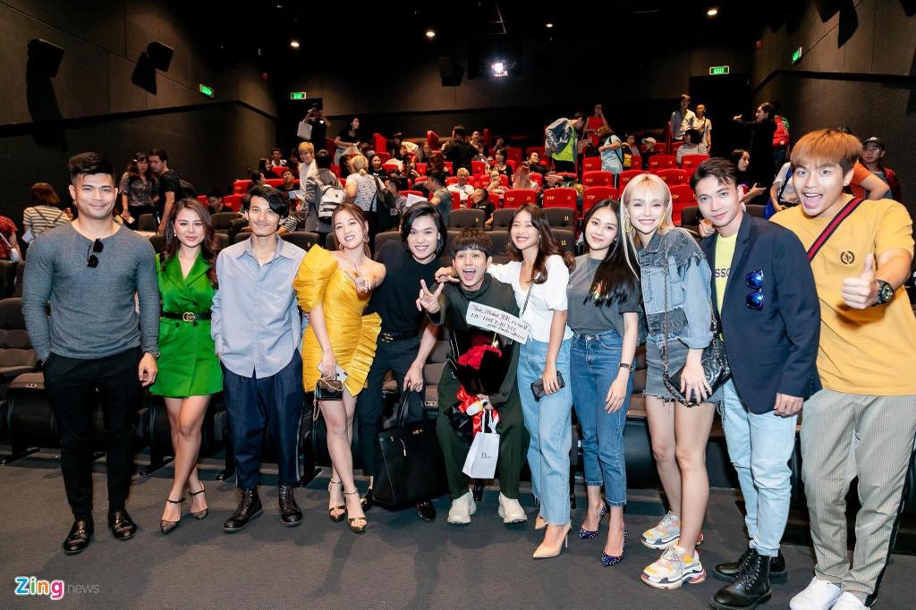 Hai thanh vien Running Man va dan sao Viet mung Jun Pham ra MV hinh anh 10
