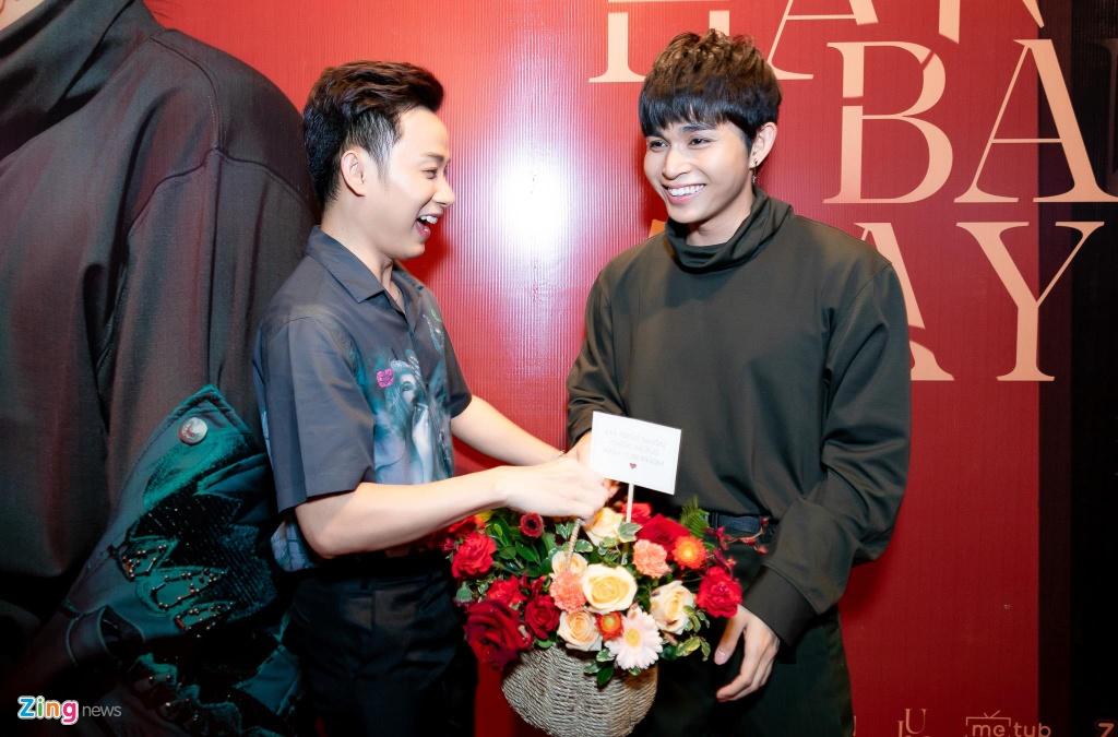 Hai thanh vien Running Man va dan sao Viet mung Jun Pham ra MV hinh anh 5