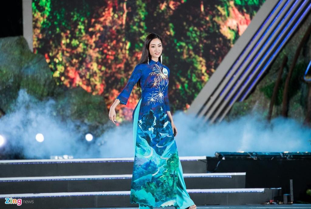 Khoanh khac dang quang cua Hoa hau 10X Luong Thuy Linh hinh anh 6