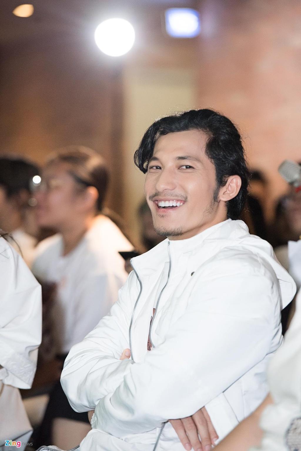 Lien Binh Phat: 'Neu giau toi se cuoi vo o tuoi 34' hinh anh 4