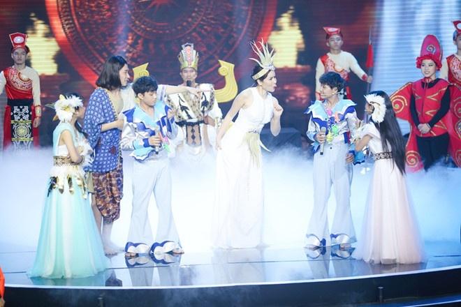 Ba lan Ho Hoai Anh, Luu Huong Giang tao nen quan quan The Voice Kids hinh anh 10