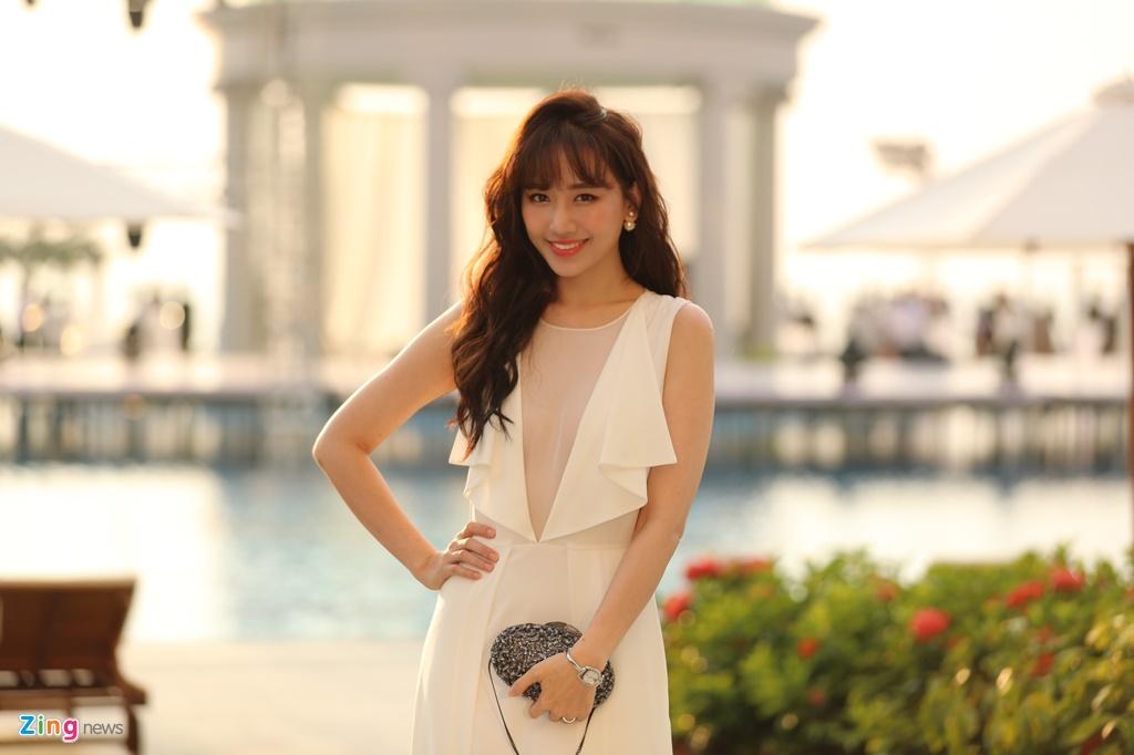 Nha Phuong va dan sao mac goi cam du cuoi Dong Nhi, Ong Cao Thang hinh anh 5