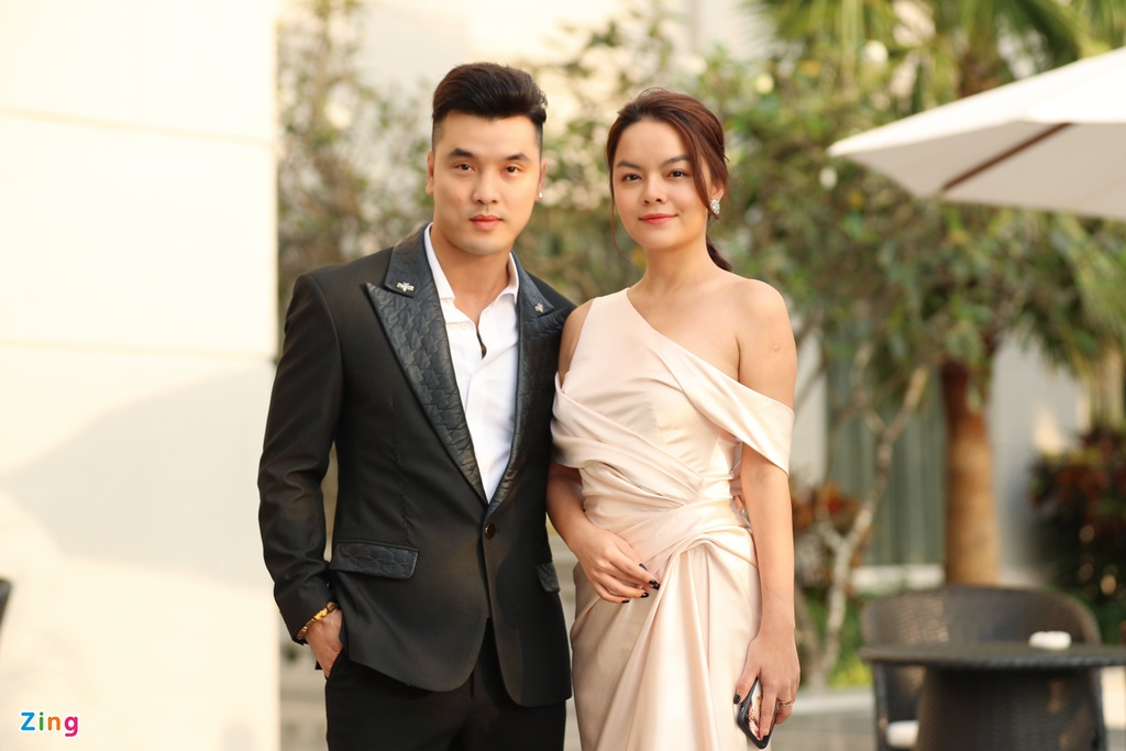 Nha Phuong va dan sao mac goi cam du cuoi Dong Nhi, Ong Cao Thang hinh anh 10