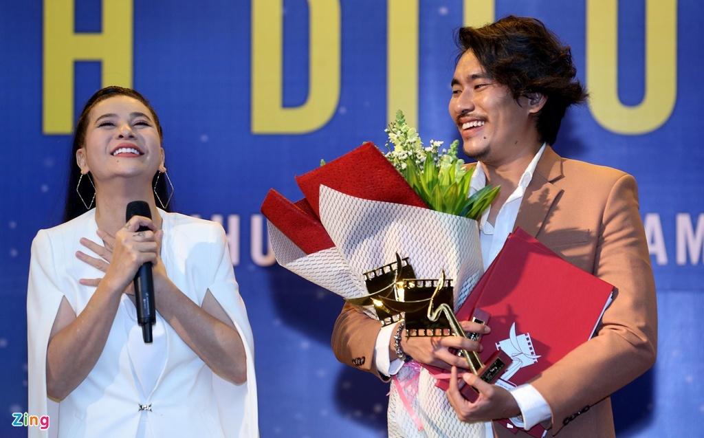 Ca si Thu Thuy to e-kip phim 'Hanh phuc cua me' dung chua nhac hinh anh 2 KMT.jpg