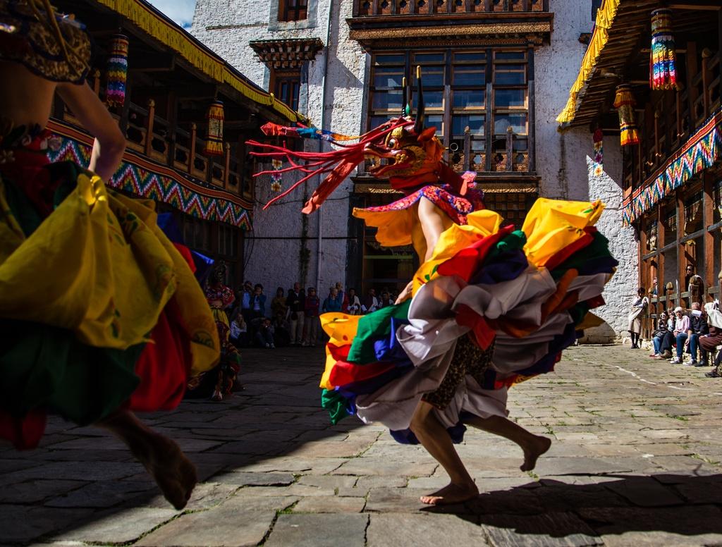 Vuong quoc Bhutan - ban giao huong bon mua doc dao hinh anh 5