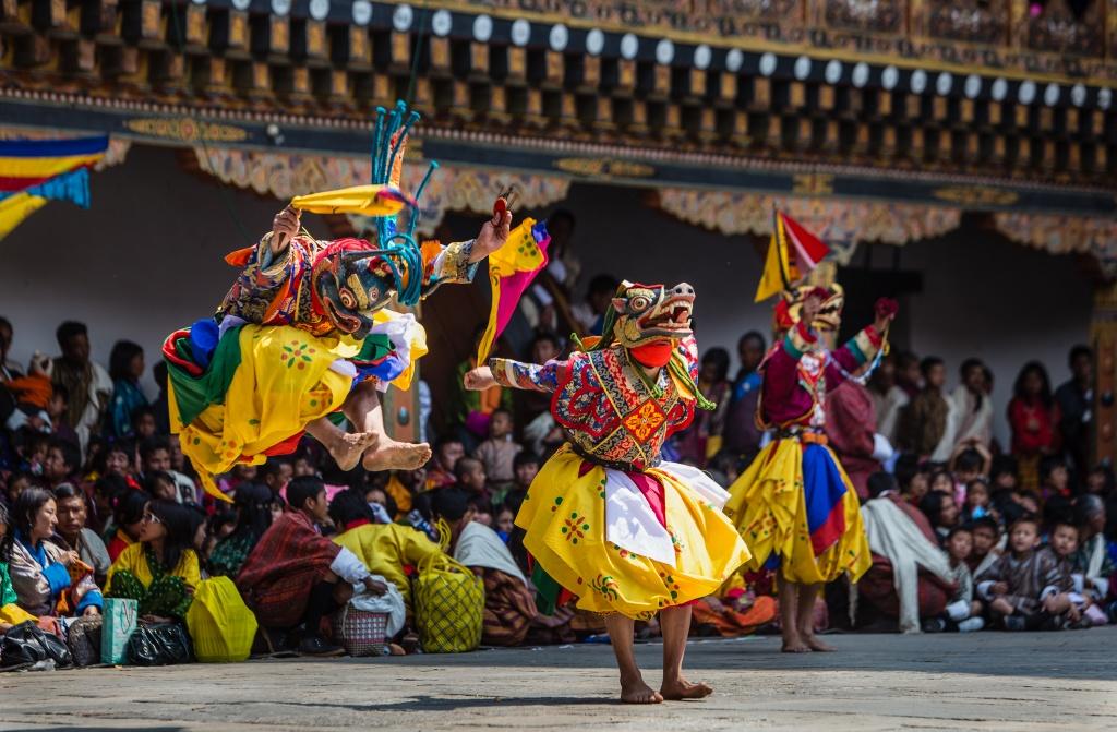 Vuong quoc Bhutan - ban giao huong bon mua doc dao hinh anh 10