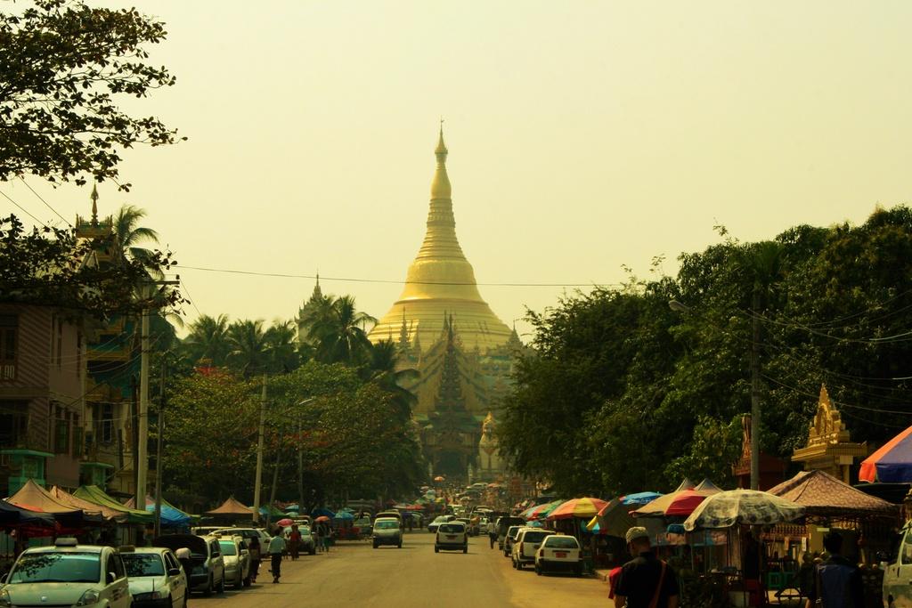 Goi y hanh trinh den Myanmar, theo chan doi tuyen Viet Nam mua AFF hinh anh 6