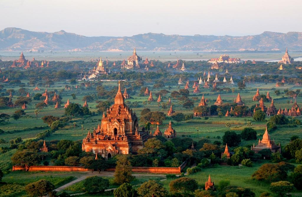 Goi y hanh trinh den Myanmar, theo chan doi tuyen Viet Nam mua AFF hinh anh 9
