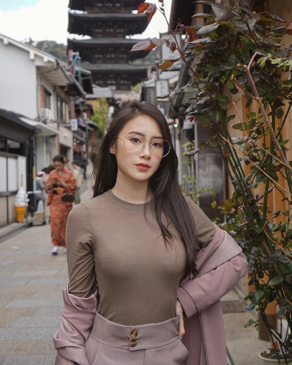 Ngam hinh check-in du lich sang chanh cua hot girl Lao goc Viet hinh anh 3