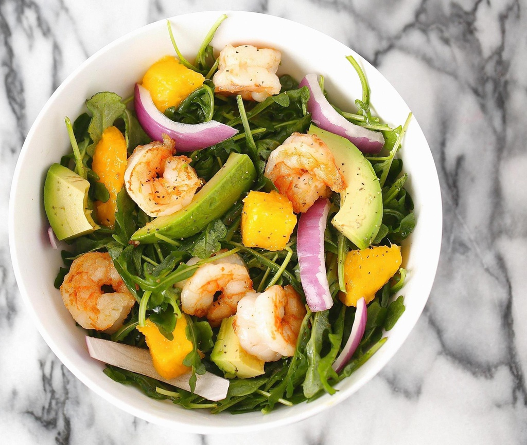 Salad bo tron ca chua, trung ga cho hoi chi em an sach, song khoe hinh anh 8