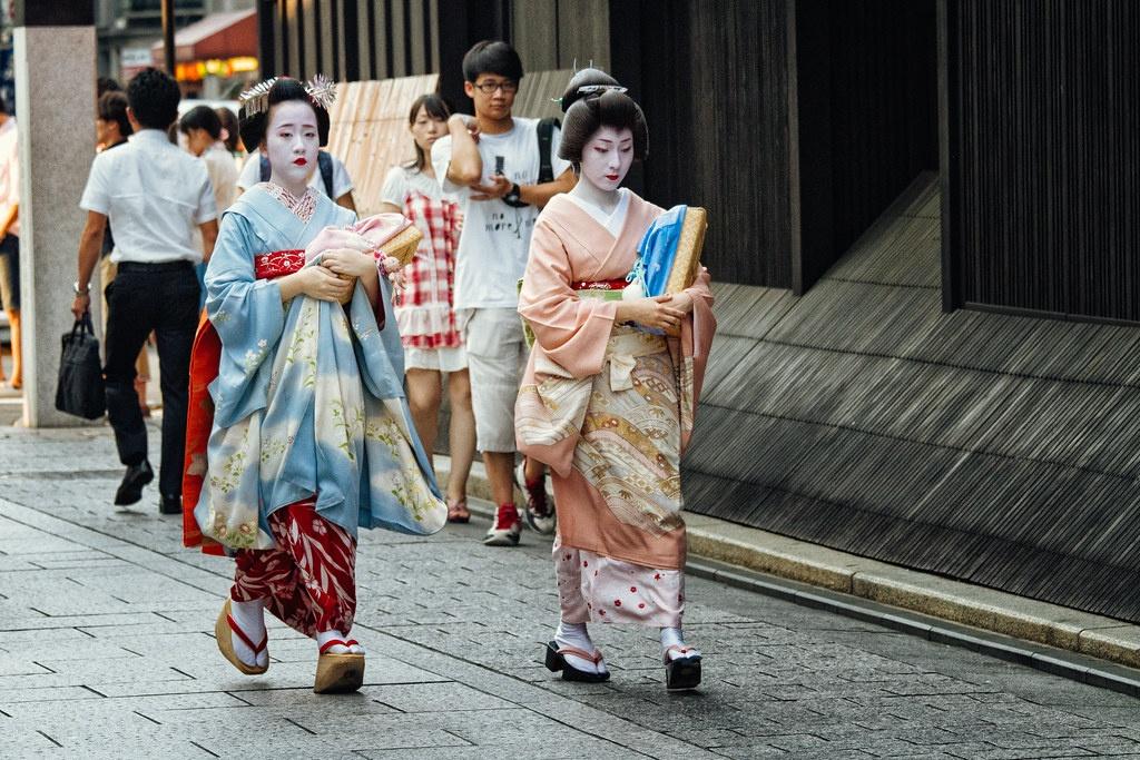 quay roi geisha anh 1