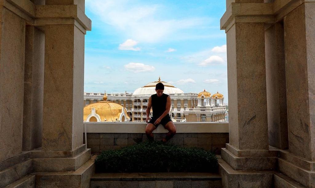 Nhung chuyen du lich dat tien cua hoang tu Brunei hinh anh 11