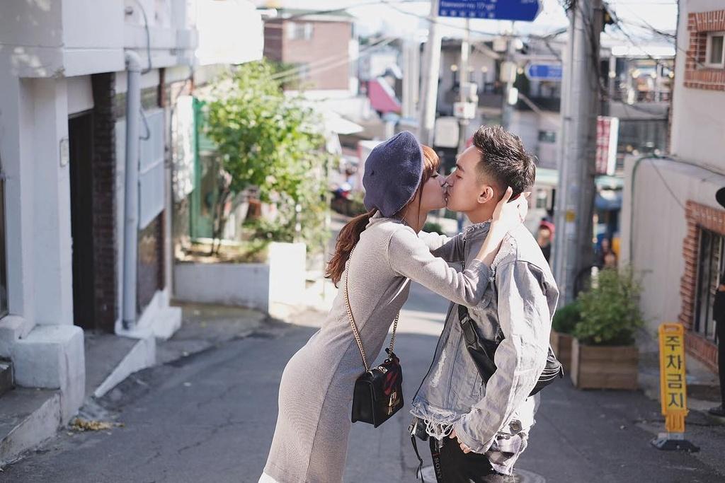 Pho Dac Biet va SunHT: Yeu la dua nhau di khap the gian hinh anh 14