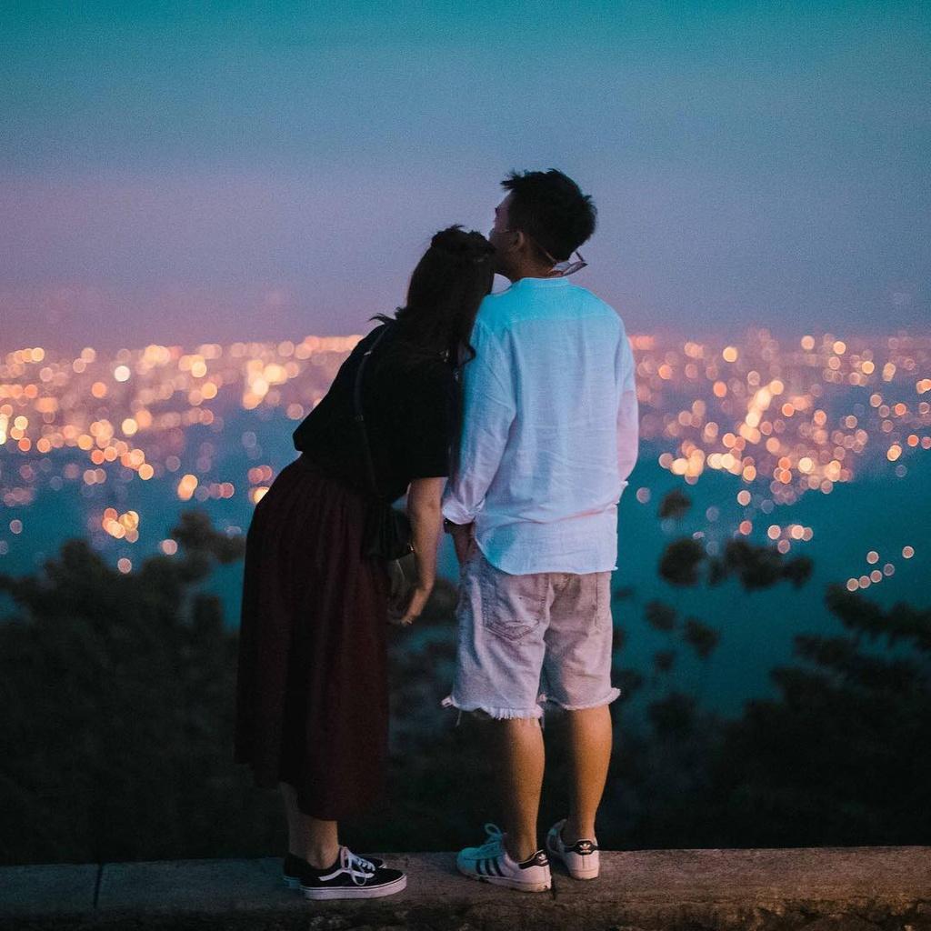 Pho Dac Biet va SunHT: Yeu la dua nhau di khap the gian hinh anh 3