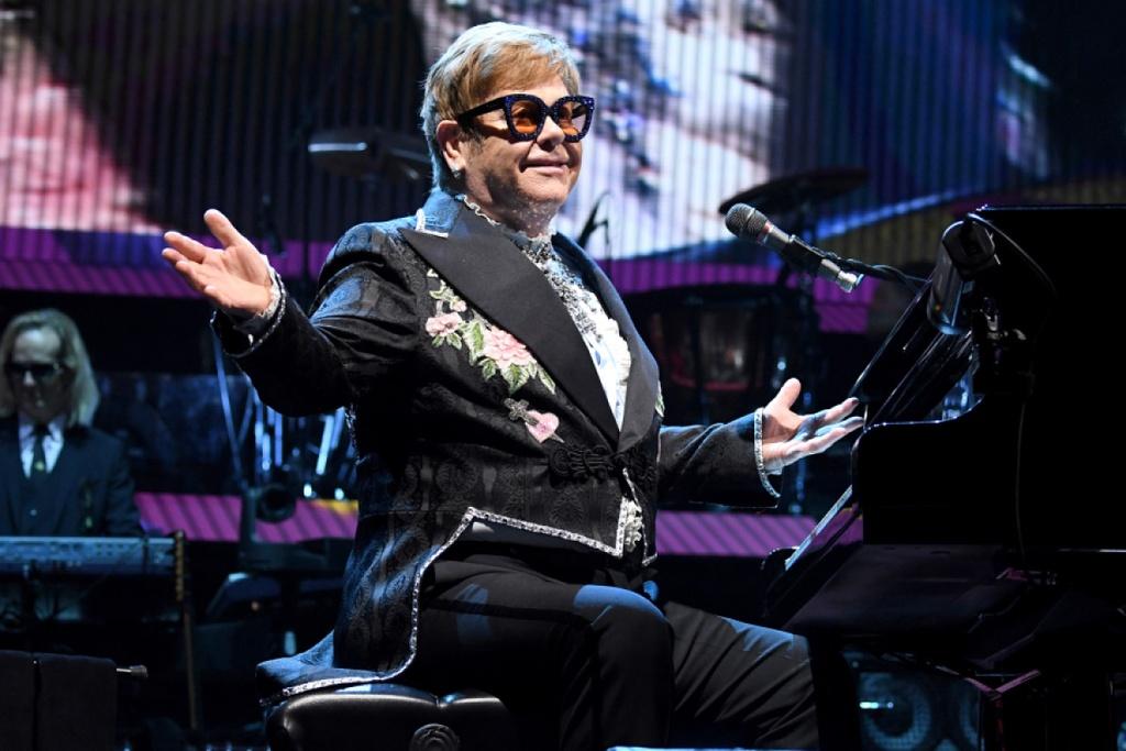Hoi ki Elton John,  Vua nhac Pop,  Elton John nghien ngap,  Rocket Man,  Elton John tu gia su nghiep anh 1
