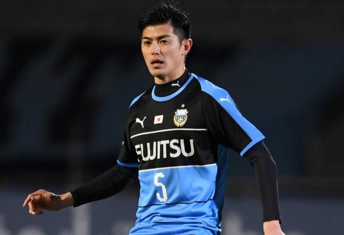 Chanathip chen chan vao top 10 cau thu dat nhat J.League hinh anh 10