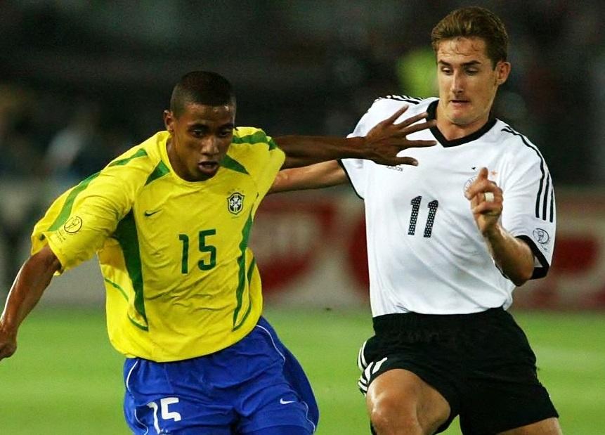Ronaldinho va cac nha vo dich World Cup 2002 gio o dau? hinh anh 8