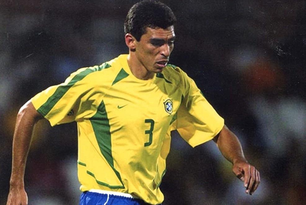 Ronaldinho va cac nha vo dich World Cup 2002 gio o dau? hinh anh 2